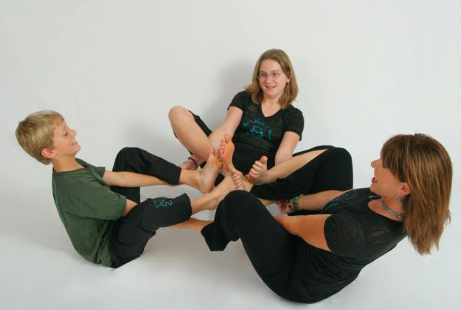 Language Learning Thru Yoga with Beth Reese of Yoginos