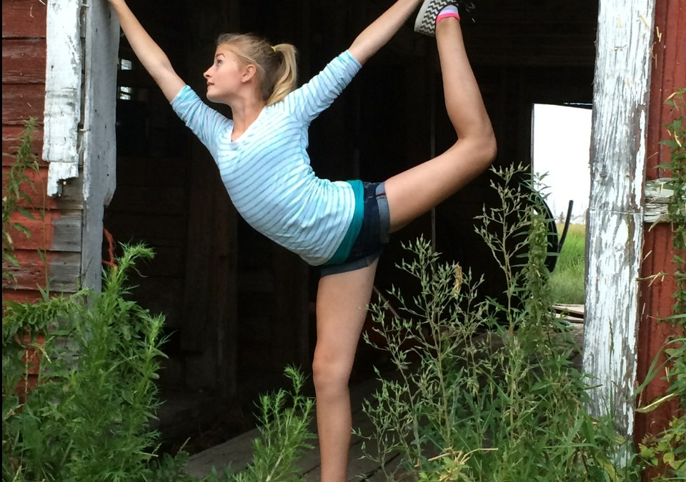 6 Essential Steps When Teaching Teens Yoga