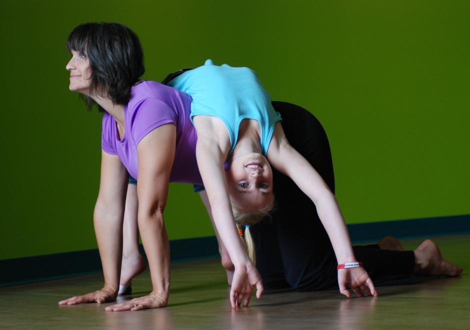 Teaching you yoga in my seethrough leggings and bare feet 6